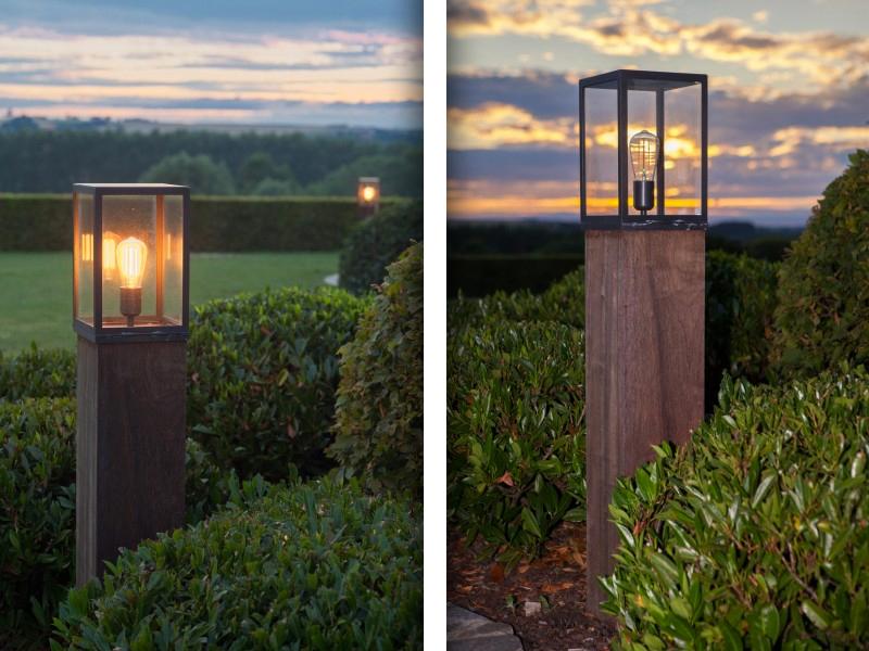De Cage on Padouck is een mooi voorbeeld van het (zelf ontworpen) maatwerk dat l'ombre aanbiedt. De armaturen worden geproduceerd door fabrikant Nyche, nadien worden de hardhouten balken door l'ombre op maat gemaakt en verticaal doorboord. Zo verkrijg je een prachtig stijlelementen, waarvan de stroomtoevoerkabel onzichtbaar is weggewerkt in de houten paal.