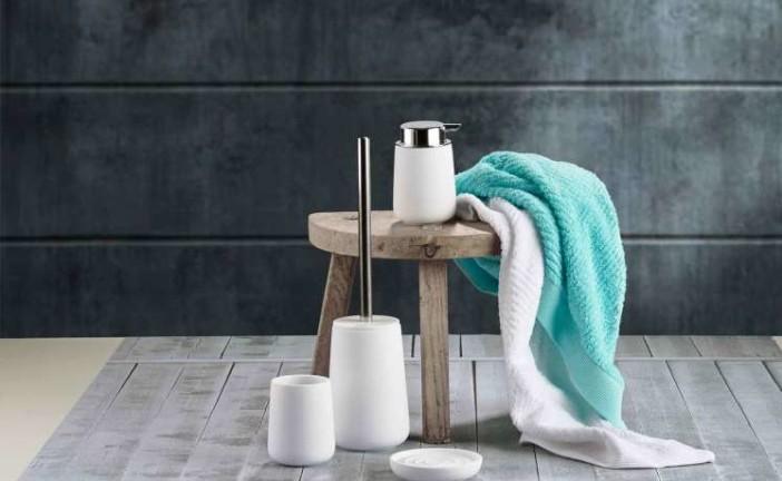 Deense Design Keukens : Trendy tinten in de badkamer & in de keuken ...
