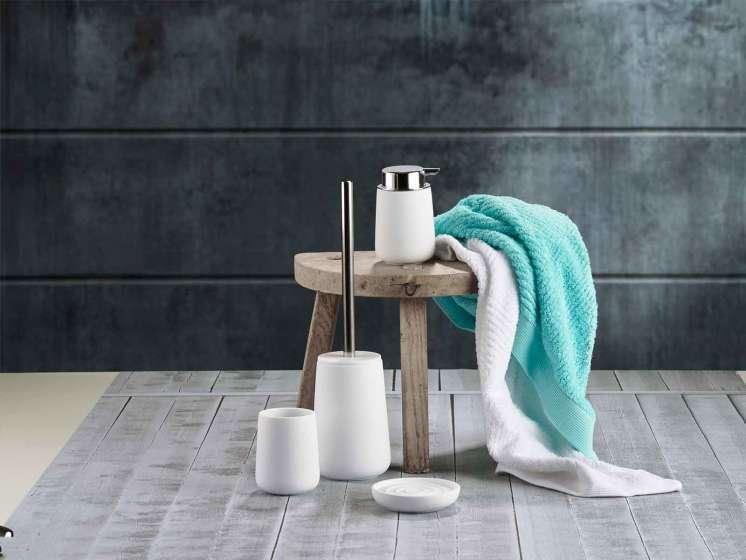Trendy tinten in de badkamer & in de keuken met het Deense Zone