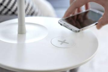 Smartphone draadloos opladen met Ikea-meubels