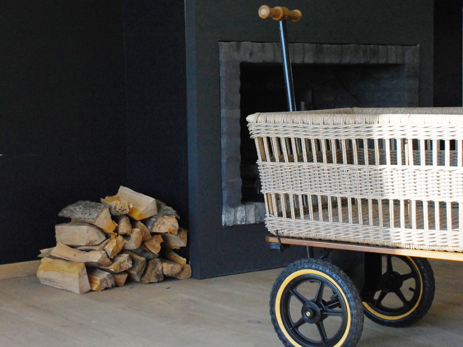 Tradewinds Wicker Basket Wagon
