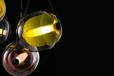 Brokis kapselt licht in in een cocon van (getint) glas